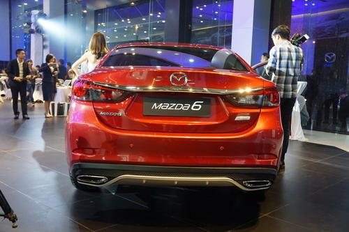 Mazda 6 2017 giá 975 triệu ở thị trường Việt có gì hay