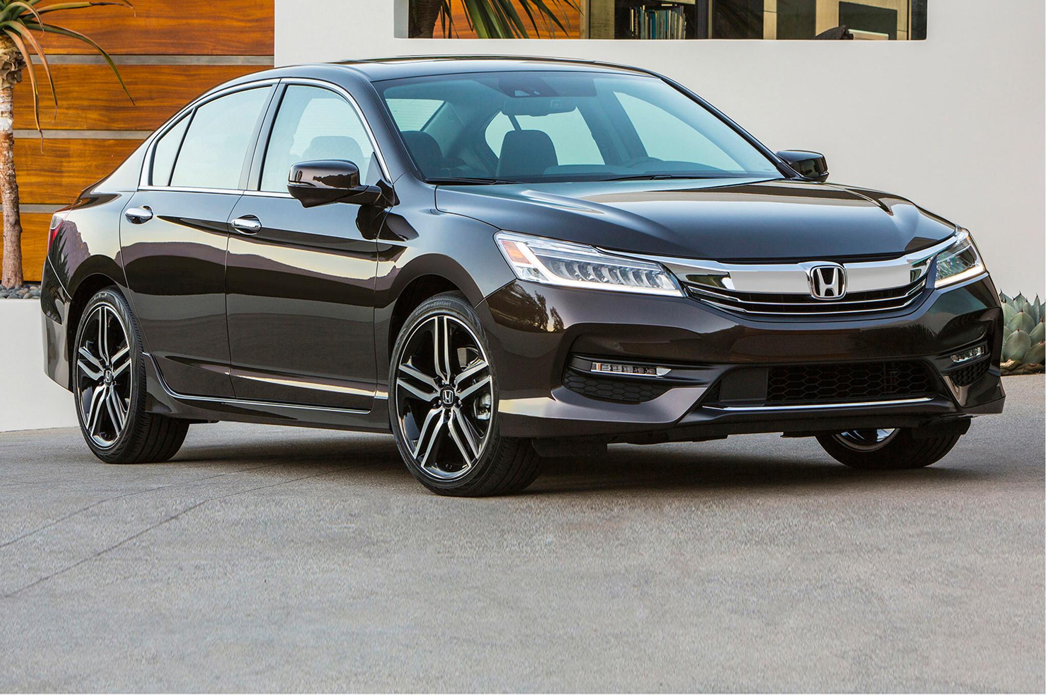 Honda Accord 2016 chiếc xe bán ế nhất tại thị trường Việt