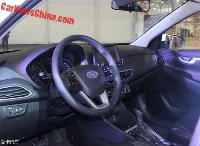 Hyundai Celesta chiếc xe lai giá chỉ 347 triệu đồng