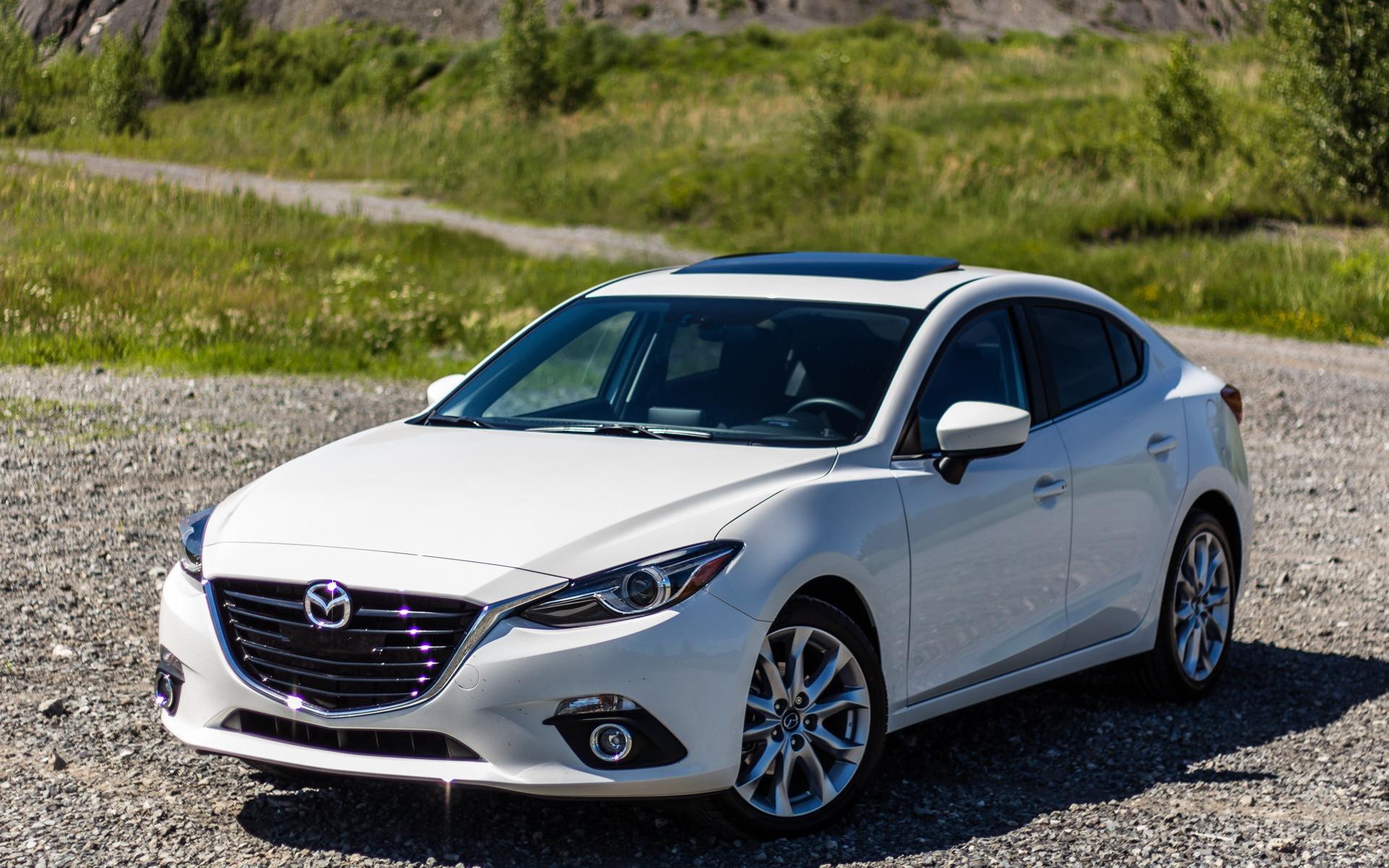 Ô tô bán chạy nhất của Toyota và Mazda có gì hấp dẫn