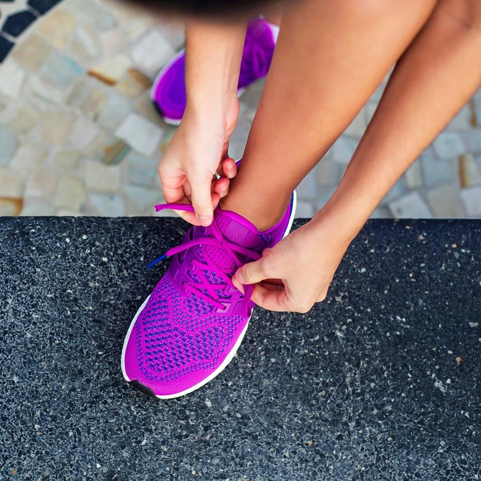 Cách phân biệt giày adidas chính hãng đơn giản nhất