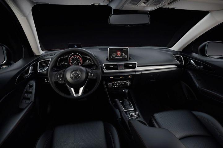 Mazda 3 chiếc sedan hạng C bán chạy nhất thị trường Việt