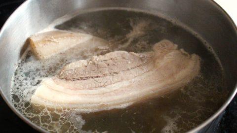 Những thói quen tai hại 'chết người' khi chế biến thịt lợn