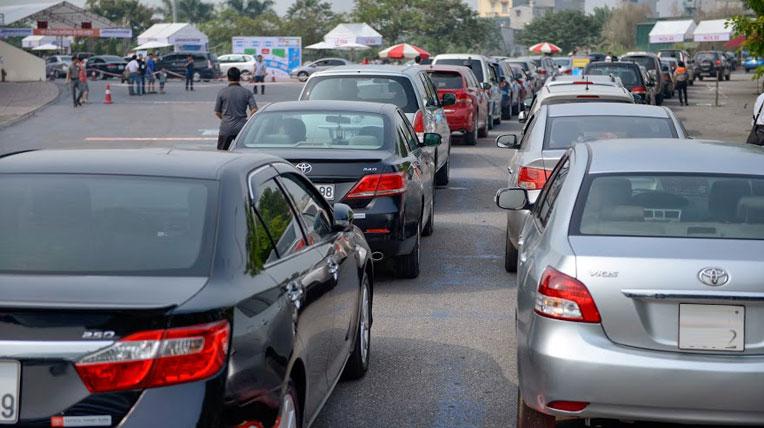 Tăng phí trước bạ ô tô lên 50% là chuyện hoang đường