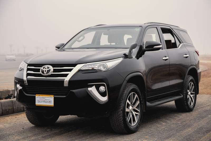 Tăng giá vù vù, liệu Toyota Fortuner có còn 'hot' trong tháng 6/2017?
