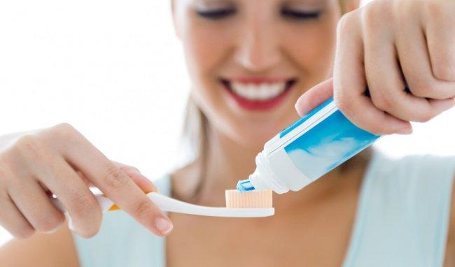 Những thói quen nguy hiểm, cần loại bỏ ngay khi đánh răng
