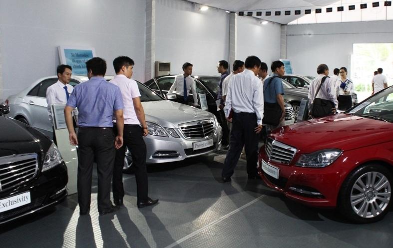 Năm 2018, nên mua những chiếc ô tô nào để được giá rẻ nhất?
