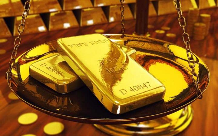 Giá vàng hôm nay ngày 12/8: Tiếp tục 'leo thang', chạm đỉnh 2 tháng qua