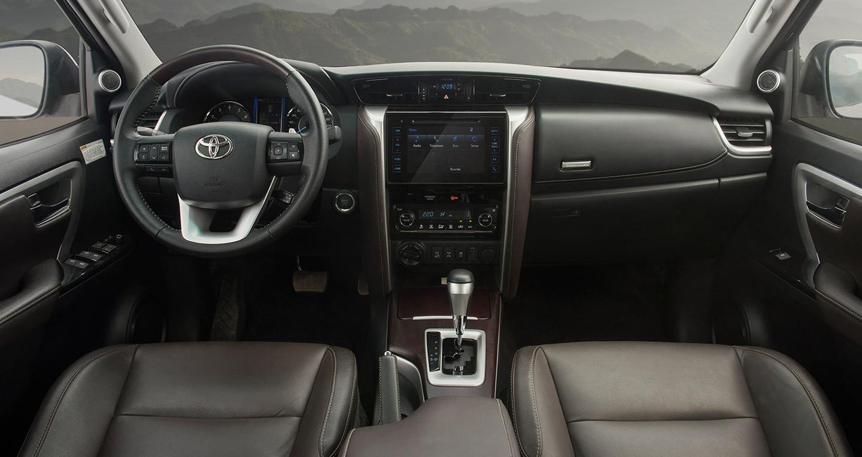 Toyota Fortuner chính là chiếc ô tô 7 chỗ bán chạy nhất thị trường Việt trong tháng 9 vừa qua