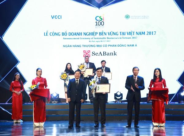 SEABANK được trao danh hiệu Top 100 doanh nghiệp phát triển bền vững 2017