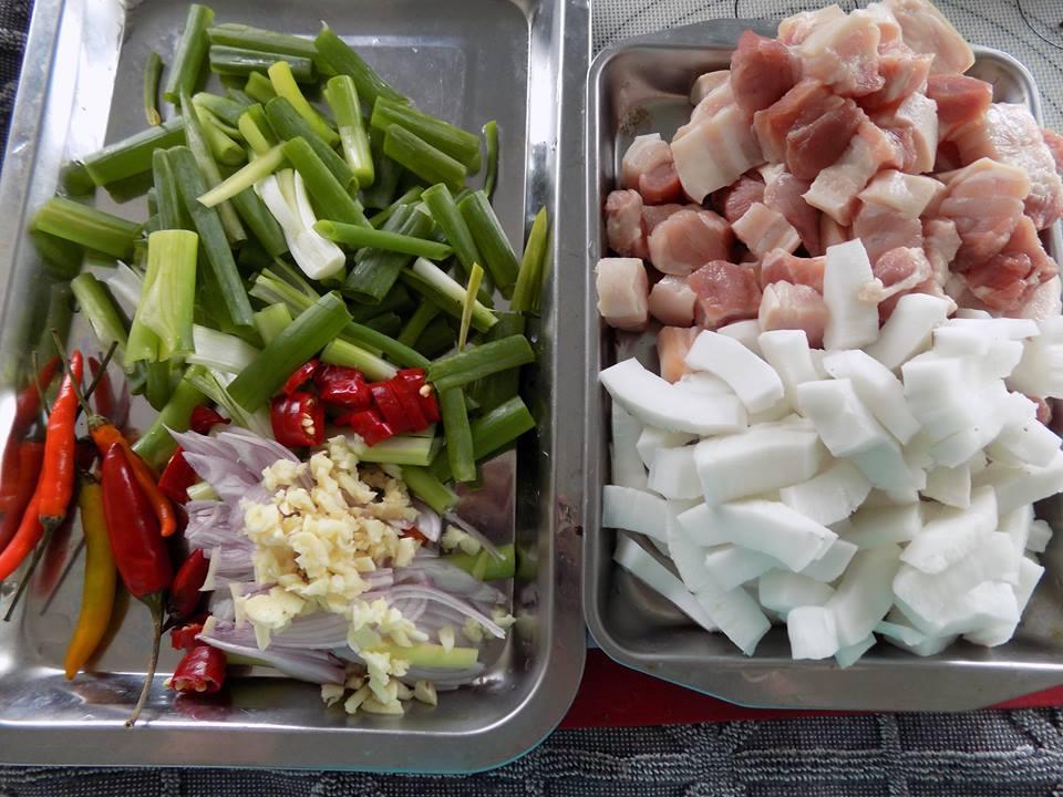 Cách làm thịt kho dừa đậm đà ngon cơm