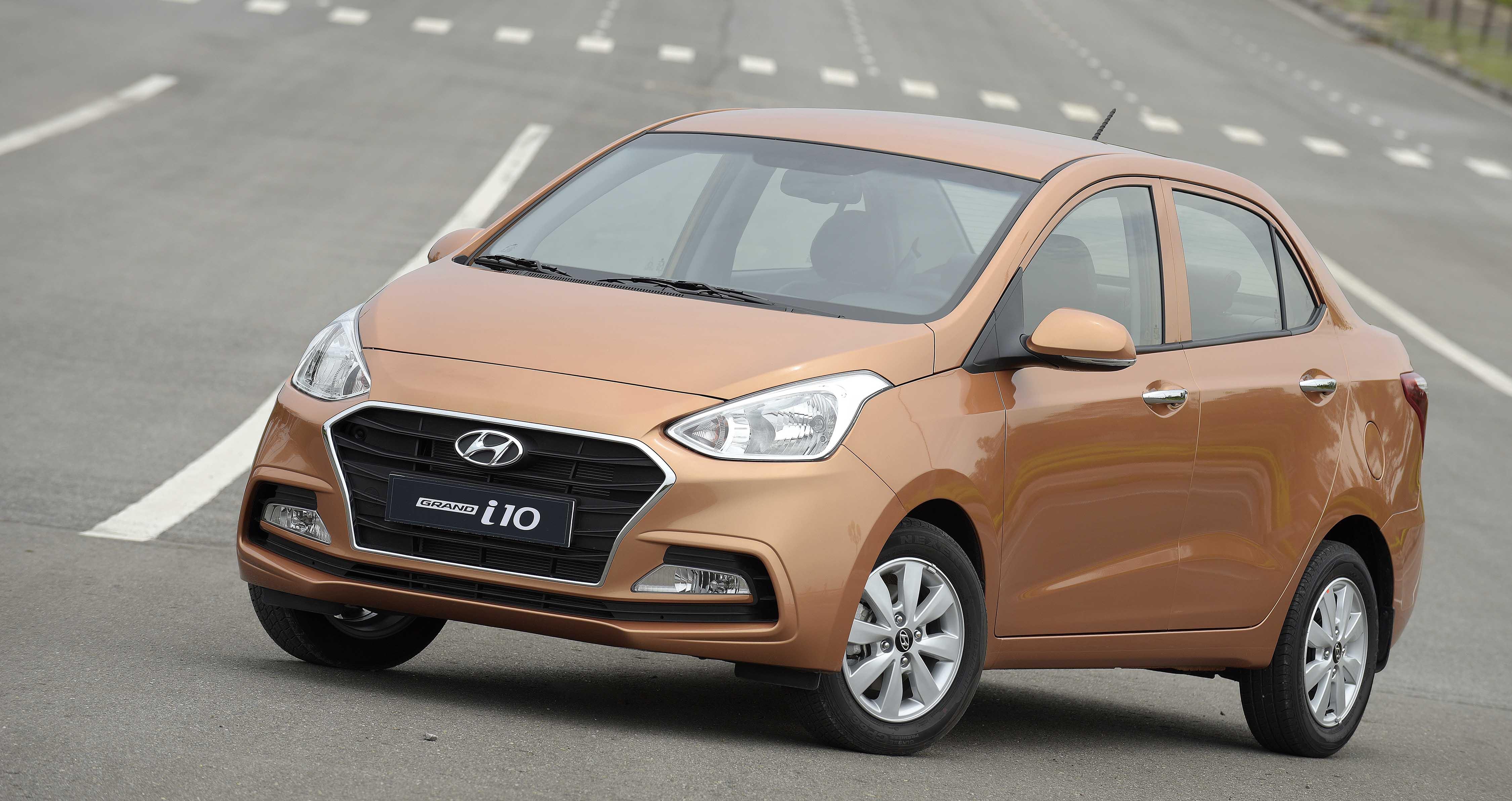 Tư vấn mua ô tô: Những mẫu xe cỡ nhỏ giá chỉ khoảng 400 triệu đồng