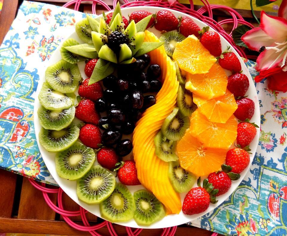 Cách trang trí đĩa trái cây đơn giản, tự tin đãi khách dịp đầu năm
