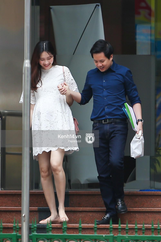 Hoa hậu Đặng Thu Thảo lần đầu công khai 'khoe' ảnh mang bầu
