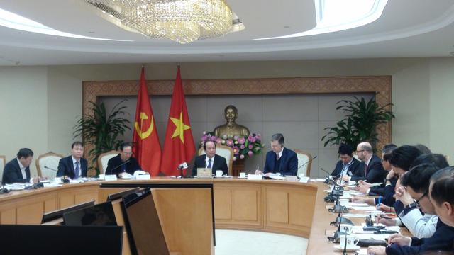 Ô tô nhập khẩu về Việt Nam: Tiếp tục tranh cãi nảy lửa, chưa có hồi kết