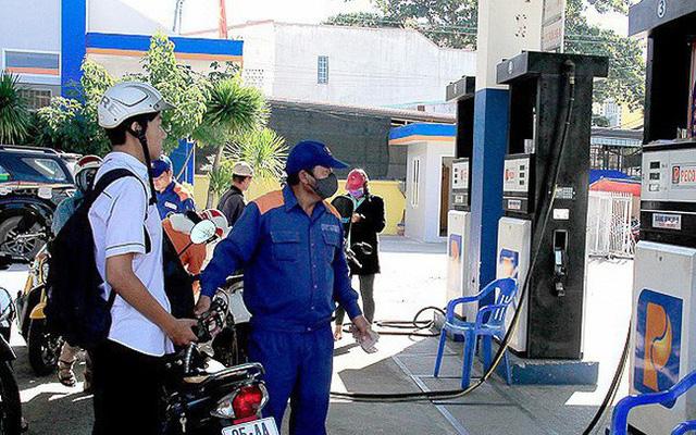 Thuế xăng dầu sẽ tăng kịch khung, lên tới 4.000 đồng/lít?