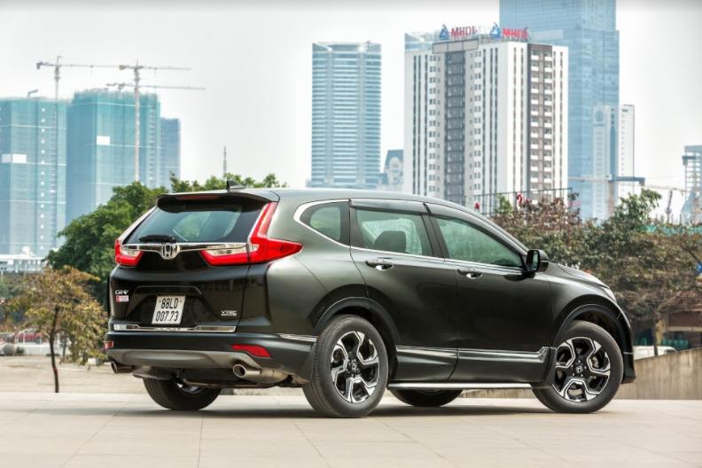 ô tô nhập khẩu tiếp tục tăng giá