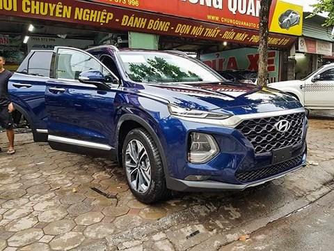 Hyundai SantaFe 2019 đẹp 'lung linh' vừa xuất hiện tại Hà Nội sở hữu những tính năng gì?