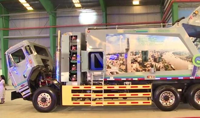 'Siêu xe' chở rác giá 10 tỷ vừa về Việt Nam sở hữu tính năng hiện đại nào?
