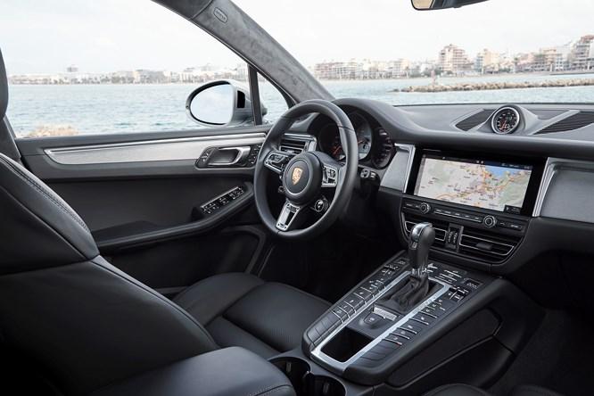 'Cận cảnh' những trang bị trên Porsche Macan S chuẩn bị về Việt Nam