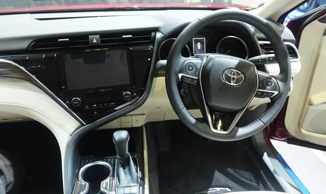 Toyota Camry 2019 có khả năng về Việt Nam trong năm nay sở hữu tính năng gì mới?