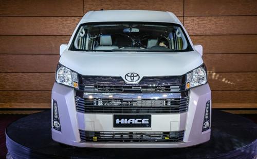 Toyota Hiace 2019 giá bán chỉ hơn 700 triệu đồng sở hữu những công nghệ gì?