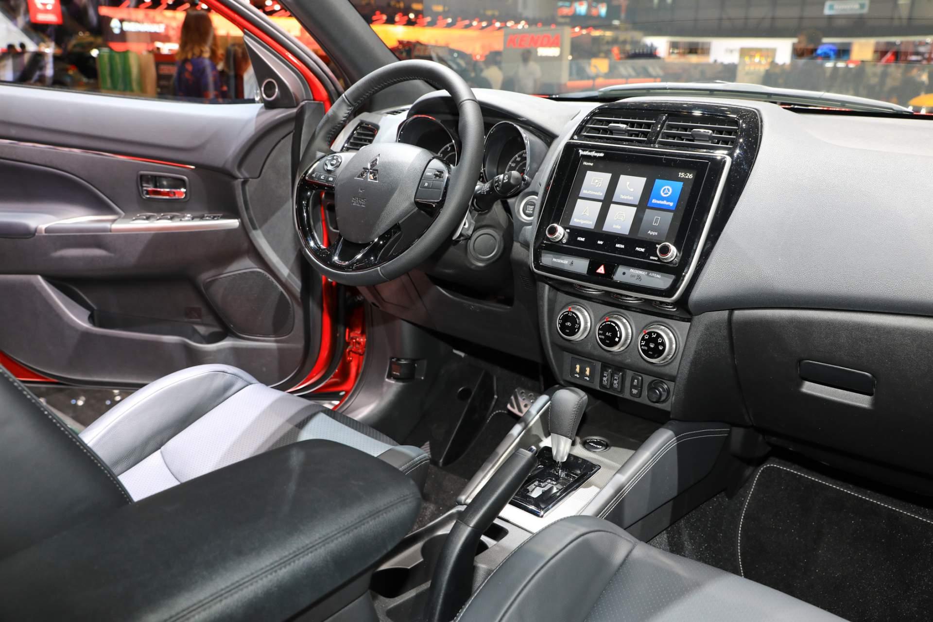 Mitsubishi Outlander Sport 2020 đẹp 'long lanh' vừa ra mắt sở hữu tính năng gì?