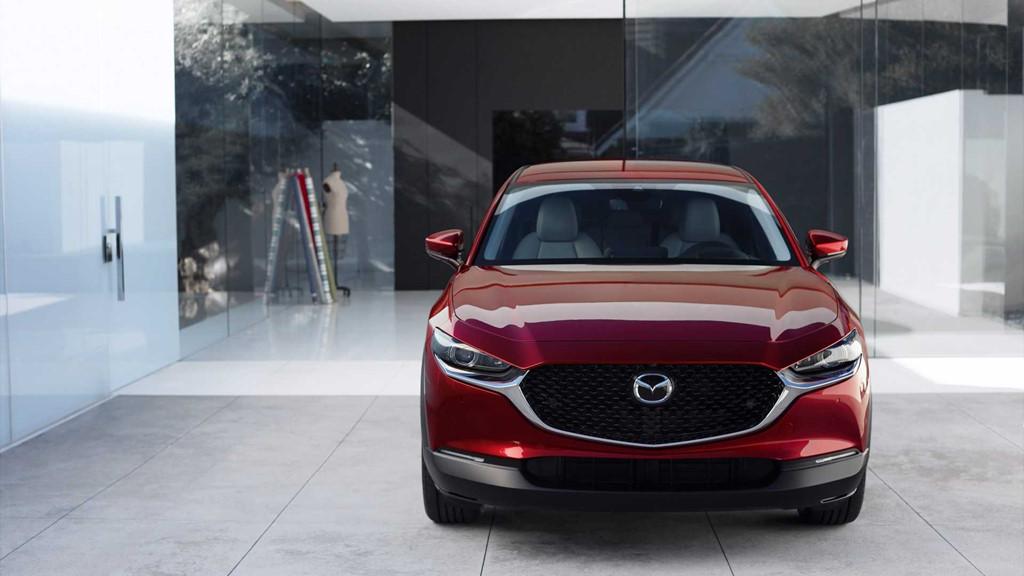 Mẫu xe lý tưởng cho phụ nữ - Mazda CX-30 được trang bị những tính năng gì?