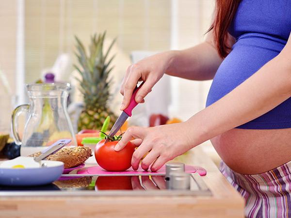 Dinh dưỡng cho mẹ bầu: Cà chua và những lợi ích không ngờ