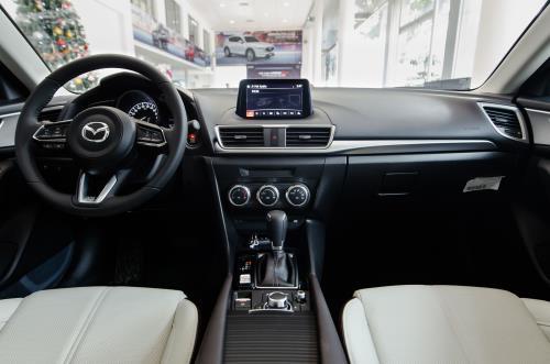 Mazda3 sedan tăng giá lên 18 triệu đồng được trang bị thêm những gì?