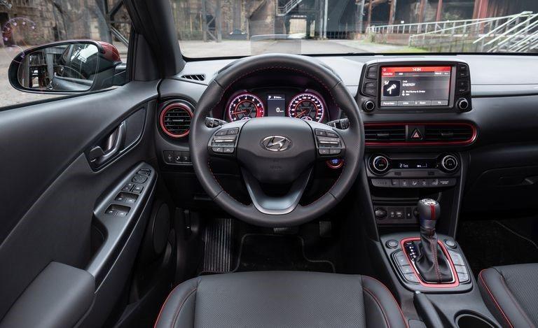 Hyundai Kona Iron Man 2019 đẹp 'long lanh' giá hơn 700 triệu được trang bị những gì?