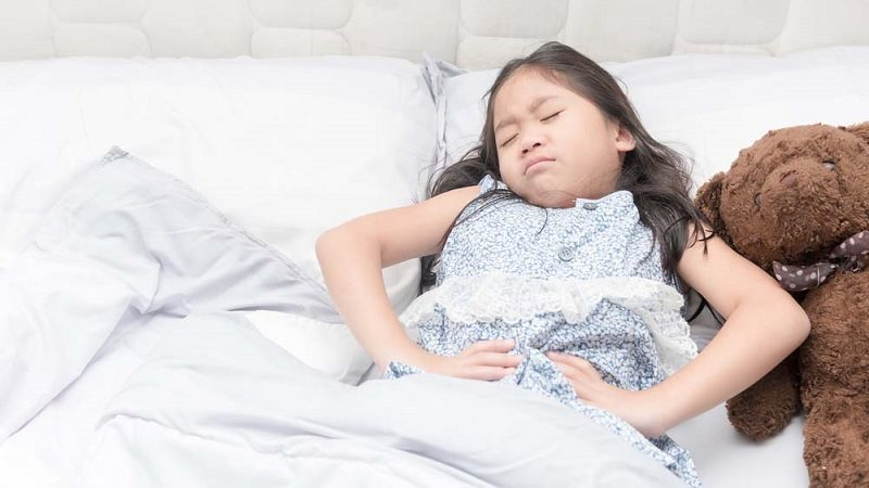 Trẻ bị đau dạ dày gia tăng: Nguyên nhân khiến cha mẹ giật mình