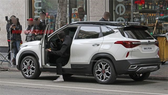 SUV mới của Kia vừa 'lộ diện' được trang bị công nghệ và tính năng gì?