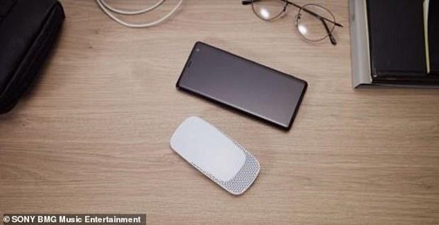 Sony ra mắt máy điều hòa mini gắn sau lưng áo giá chỉ khoảng 3 triệu đồng