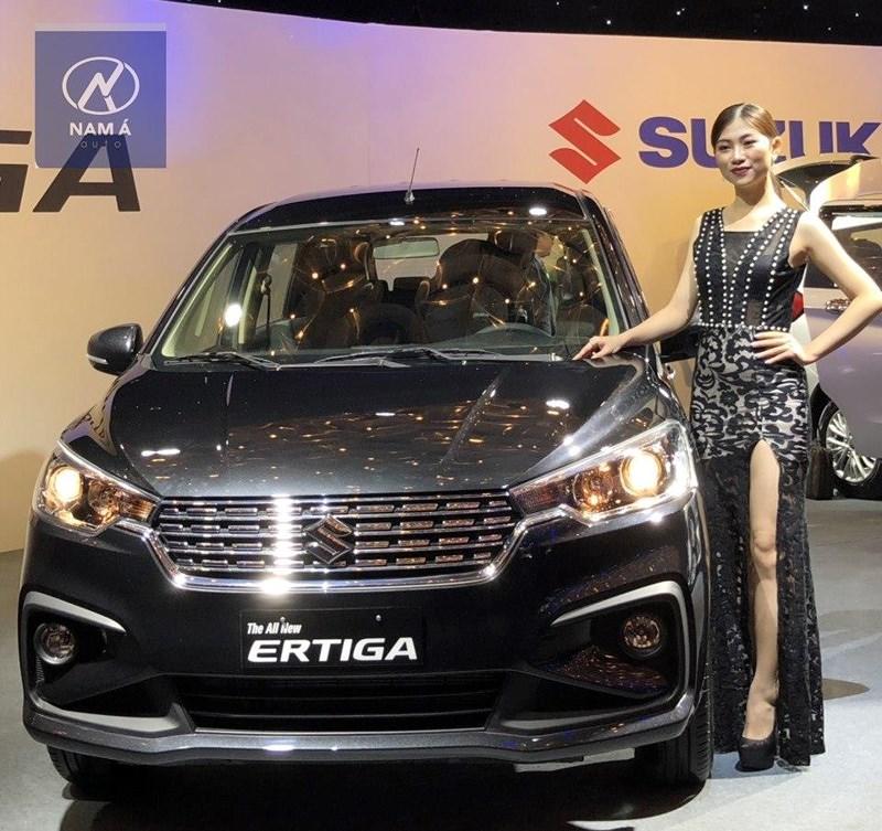 Vừa về Việt Nam đã hết hàng, Suzuki Ertiga có gì đặc biệt?
