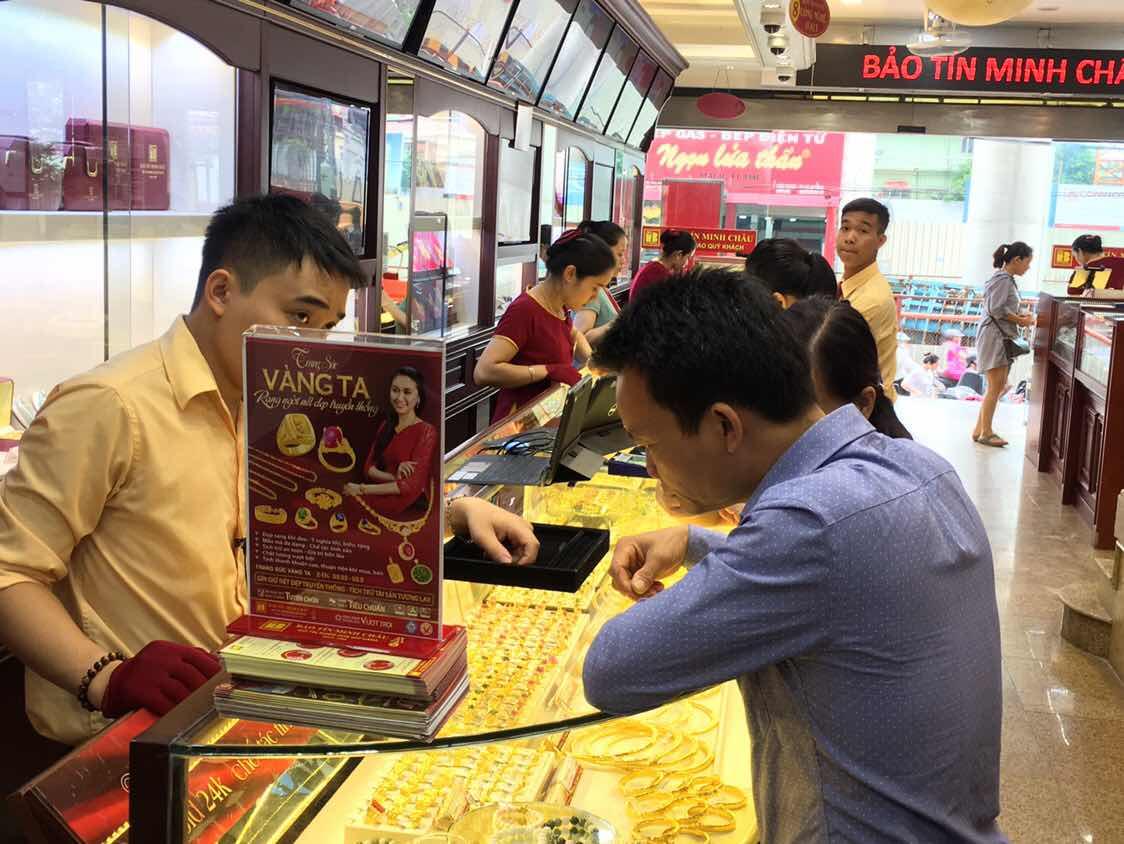 Giá vàng hôm nay ngày 10/9: Vàng 'rớt' giá, xu hướng tăng sắp hết?