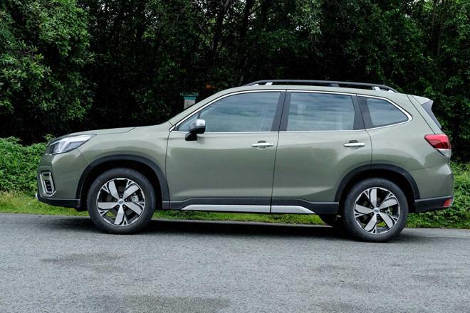 Subaru Forester 2019 tiếp tục giảm giá 'kịch sàn', xuống mốc 900 triệu đồng