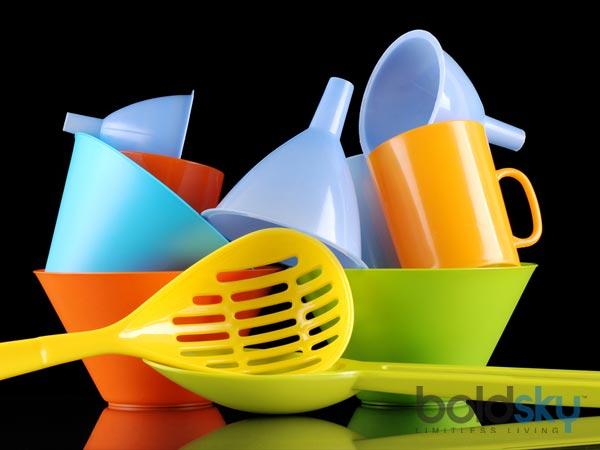 Đồ nhựa rất độc hại nếu lạm dụng làm đồ nấu nướng và đựng thức ăn