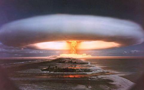 Sức hủy diệt của bom H mạnh gập hàng nghìn lần bom nguyên tử mà Mỹ thả xuống Nhật Bản trước đó