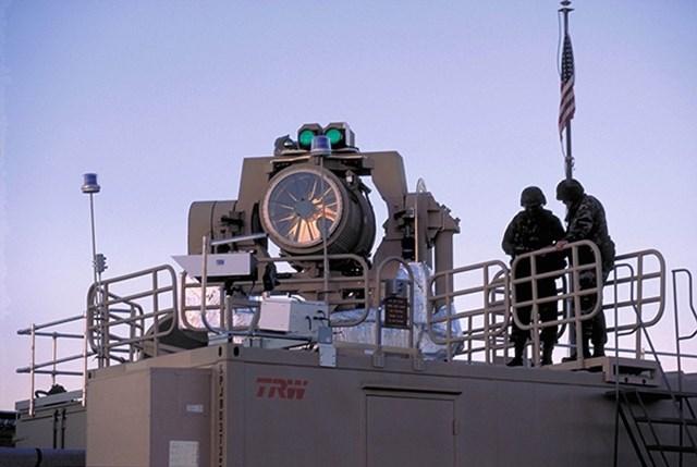 Hệ thống vũ khí laser trên tàu của Mỹ
