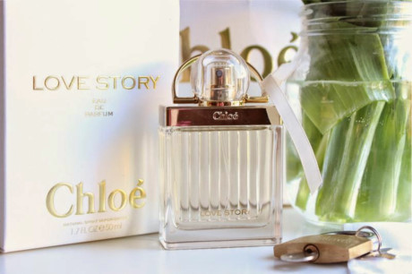 Sản phẩm mỹ phẩm Chloe - Love Story Eau de parfum Nature Spray.