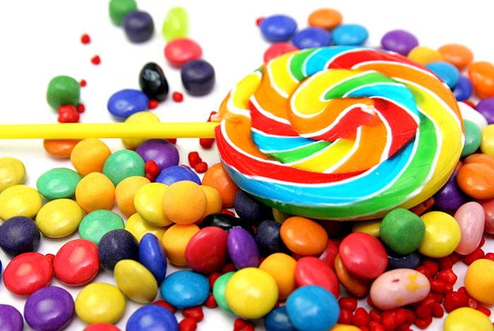 Lạm dụng phẩm màu để làm đep thực phẩm có nguy cơ ung thư.