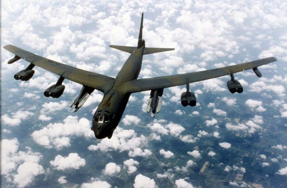 Điều làm nên sức mạnh hủy diệt cho máy bay ném bom già cỗi Tu-95MS chính là tên lửa Kh-101 và Kh-102.