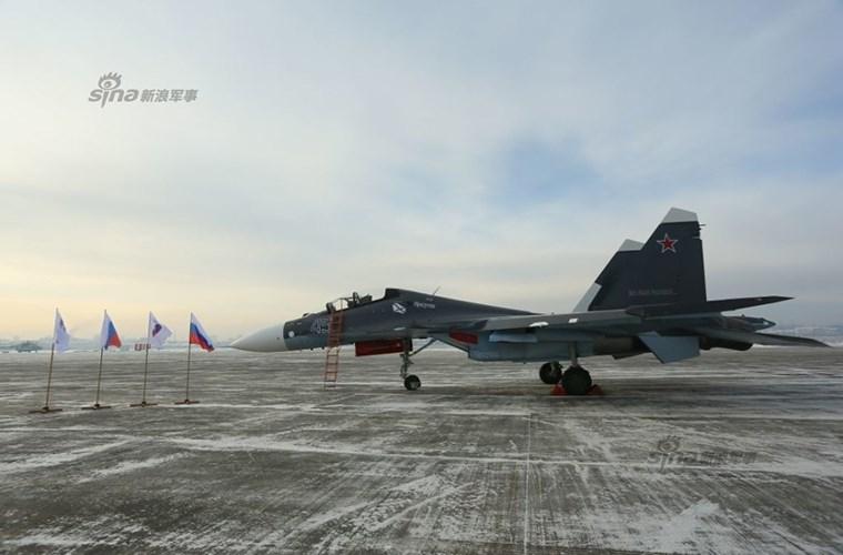 Tiêm kich đa năng Su-30SM có khả năng  mang theo 8 tấn vũ khí.