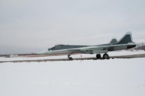 Máy bay T-50 được trang bị 2 động cơ NPO Starun Izdelieye 117 cung cấp tốc độ tối đa.
