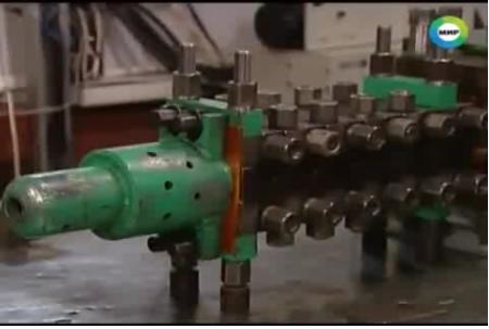 Súng điện từ railgun Nga có tốc độ bắn 7000km/h. Ảnh: Đất Việt