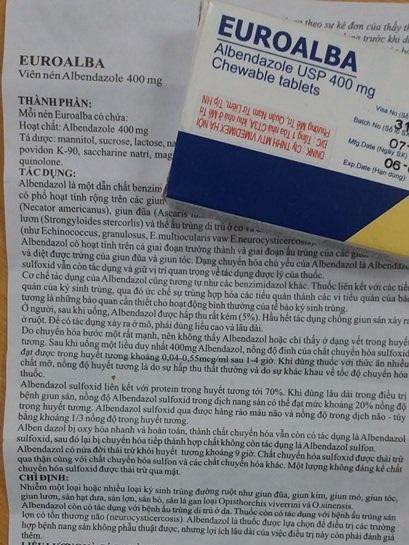 Thuốc tẩy giun Albendazole có nhiều tác dụng phụ khiến người dùng khó chịu.