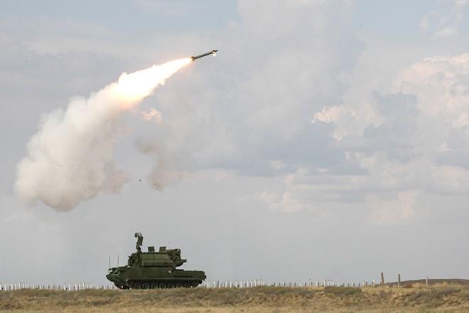 ên lửa Tor-M2U có tầm bắn xa 15km