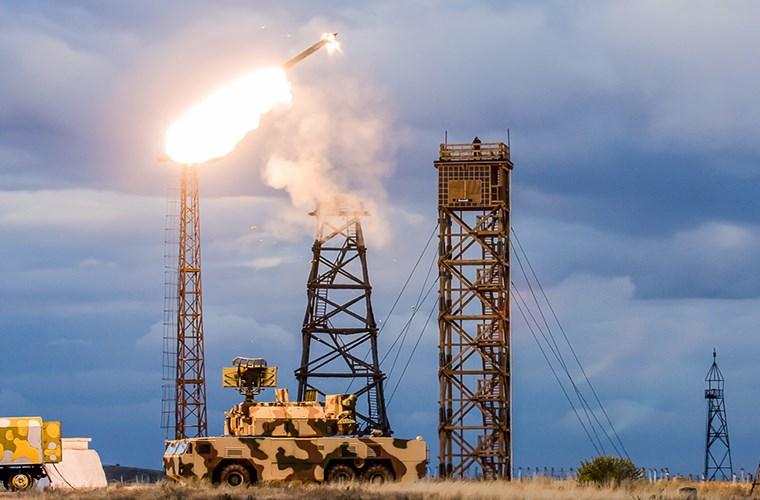 Tên lửa Tor-M2U có khả năng bắn loạt ngắn 3 quả đạn chỉ trong 5 giây.