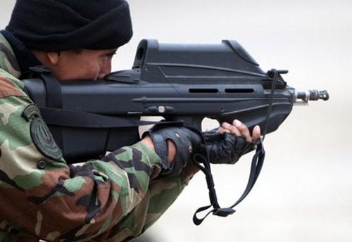 Súng trường FN F-2000 của Bỉ. Ảnh: Kiến Thức